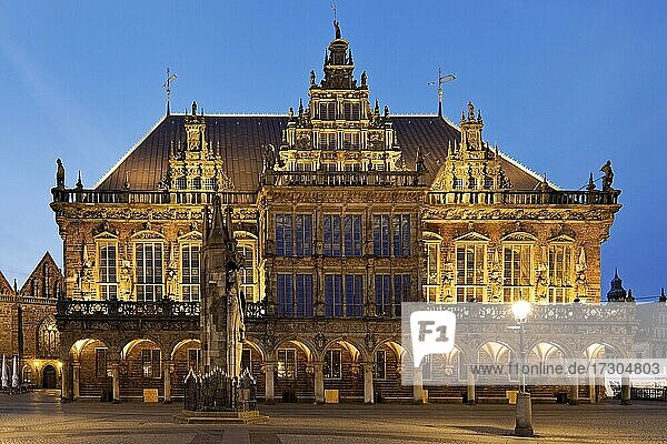 City Hall with Roland in the evening  UNESCO World Heritage Site  Bremen  Germany  Europe