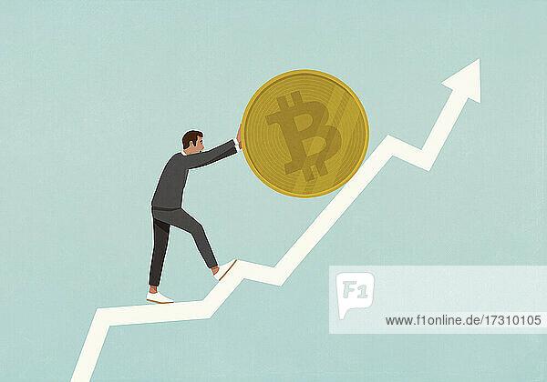 Geschäftsmann rollt Bitcoin auf aufsteigenden Datenpfeil