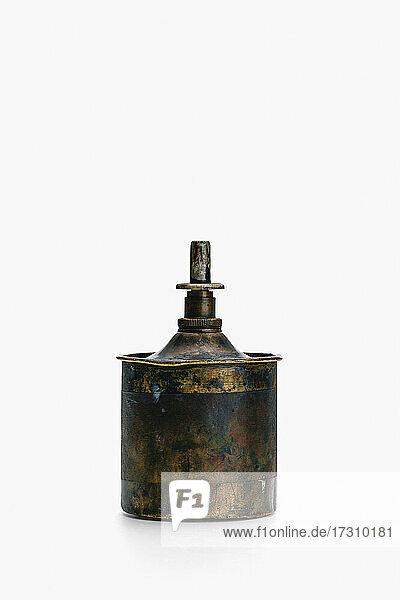 Benzinspender aus lackiertem Messing