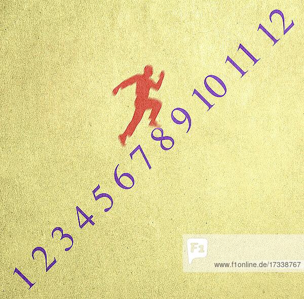 Mann läuft Zahlenreihe hoch