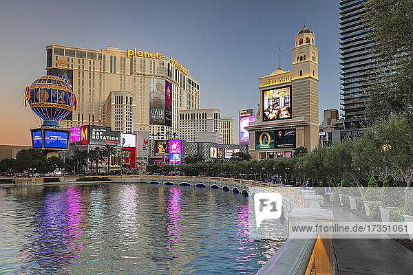 Hotel Paris und Planet Hollywood Resort  The Strip  Las Vegas  Nevada  United States of America  North America