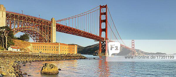 Golden Gate Bridge at sunrise  San Francisco Bay  California  United States of America  North America