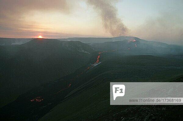 Volcano with lava fountains  Fagradalsfjall  Reykjanes  Grindavik  Iceland  Europe