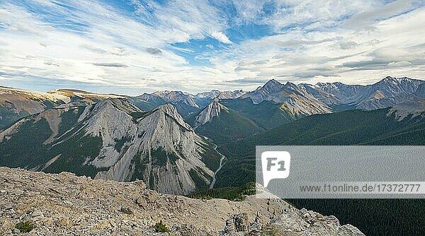 Mountain landscape with peaks  peaks with orange sulphur deposits  panoramic view  Nikassin Range  near Miette Hotsprings  Sulphur Skyline  Jasper National Park  Alberta  Canada  North America
