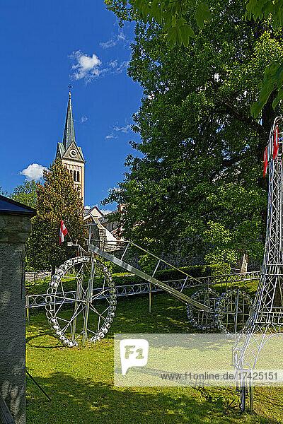 Radstädter Radgarten  Stadtpfarrkirche Maria Himmelfahrt  Stadtmauer