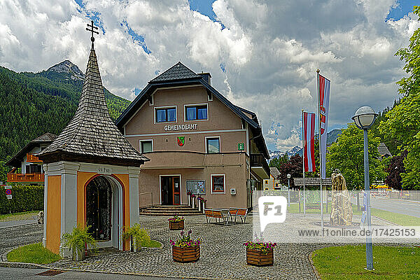 Gemeindeamt  Kapelle  erbaut 1732