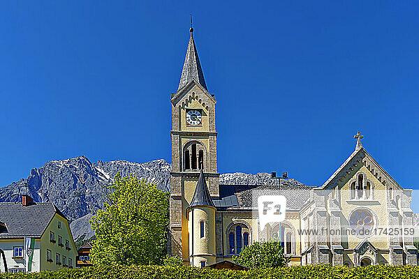 Gemeindeverwaltung  Evangelische Pfarrkirche  Dachsteinmassiv