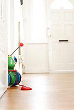 Korridor,Korridore,Flur,Flure,Spielzeug,Baby