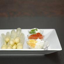 Spargel mit Kaviar, Nahaufnahme