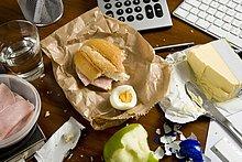 Schreibtisch,Lebensmittel,Büro,unordentlich