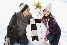 Paar mit Schneemann