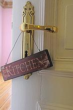 Küche Schild am Türgriff