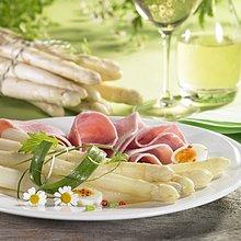 Spargel mit Schinken, Ei und Kamillenblüten, Weisswein