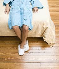 liegend, liegen, liegt, liegendes, liegender, liegende, daliegen ,Frau ,Boden, Fußboden, Fußböden ,Bett
