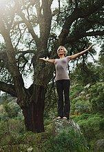 Frau,Wald,reifer Erwachsene,reife Erwachsene,Yoga,02 Position