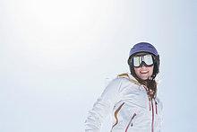 Skihelm ,Frau ,Skibrille ,Schutzbrille ,Ski ,jung ,Kleidung ,Helm
