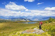 Frau beim Bergwandern, Lungauer Nockberge, Salzburger Land, Österreich, Europa
