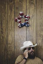 Handy,Mann,sprechen,Hut,lang,langes,langer,lange,Cowboy
