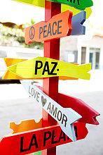 Farbaufnahme,Farbe,Liebe,Ruhe,Fernverkehrsstraße,Zeichen