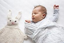 schlafen,Kaninchen,stricken,Mädchen,Baby