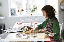 Weihnachtsgebäck,Frau,Vorbereitung