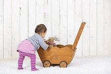 klein,Spielzeug,Fuhrwerk,Mädchen,Puppe,spielen,Weichheit