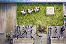 Berlin,Hauptstadt,Garten,Spielplatz,Ansicht,Fahrrad,Rad,Hinterhof,Deutschland