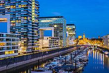 Kranich,beleuchtet,Hafen,Gebäude,Jachthafen,Köln,Turmkran,Deutschland