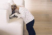 Couch,verstecken,klein,Kopfkissen,Mädchen