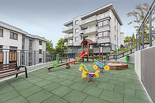 Wohnhaus,frontal,Apartment,Spielplatz,Ansicht,Polen