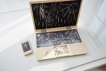 Spielzeug,Notizblock,Zeichnung,Kind,Kreide,Notebook,Smartphone