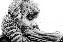 Außenaufnahme,junge Frau,junge Frauen,Schal,Close-up,Kleidung,freie Natur