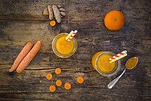 Karotten-Mandarine Smoothie mit Kurkuma